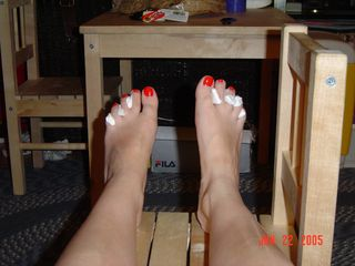 Toes1